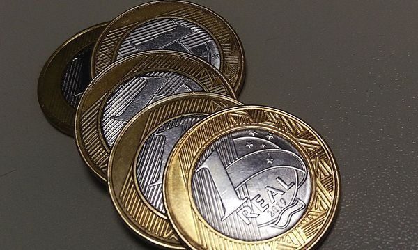 Left or right economia moeda real infla o
