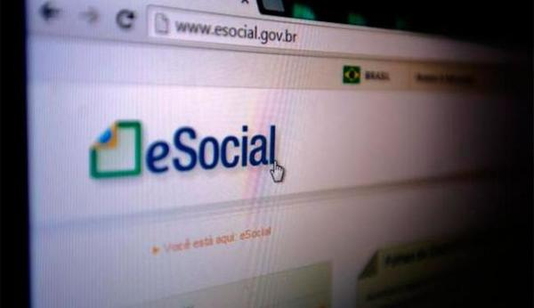 Left or right esocial