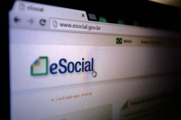 Left or right esocial b